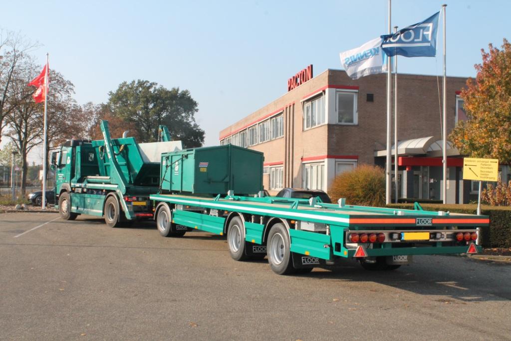 Floor container aanhangwagen voor Bakker´s Recycling