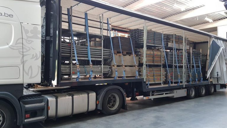 Belgian stage lessor deploys Pacton stepdeck trailer