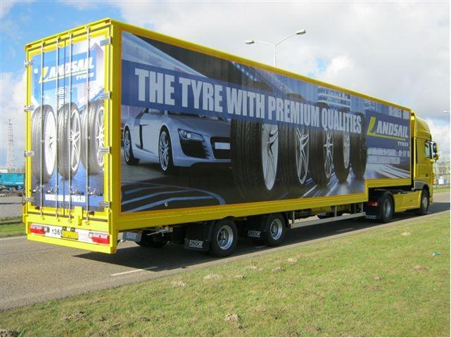 Inter-sprint reinforces their tyre distribution with five FLOOR stepdeck trailers
