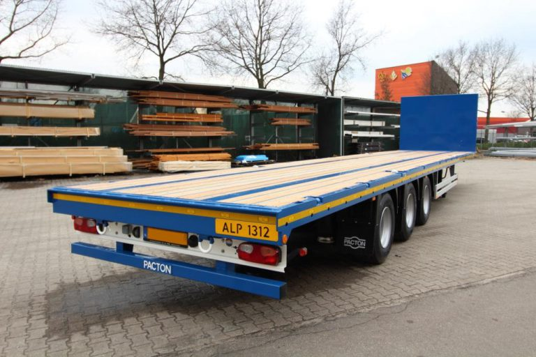 32 Pacton semi trailers for Alphatrans Internationaal BV