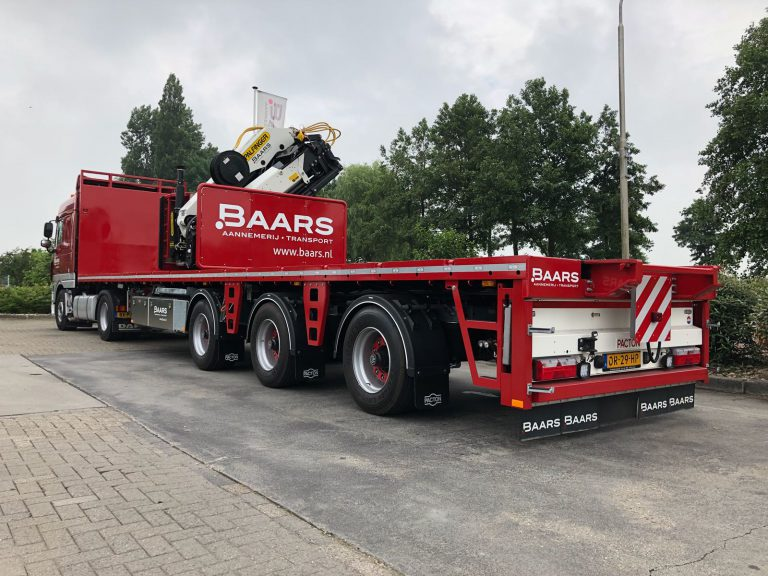 SPECIAL KENNIS CRANE SEMI-TRAILER FOR DREDGING
