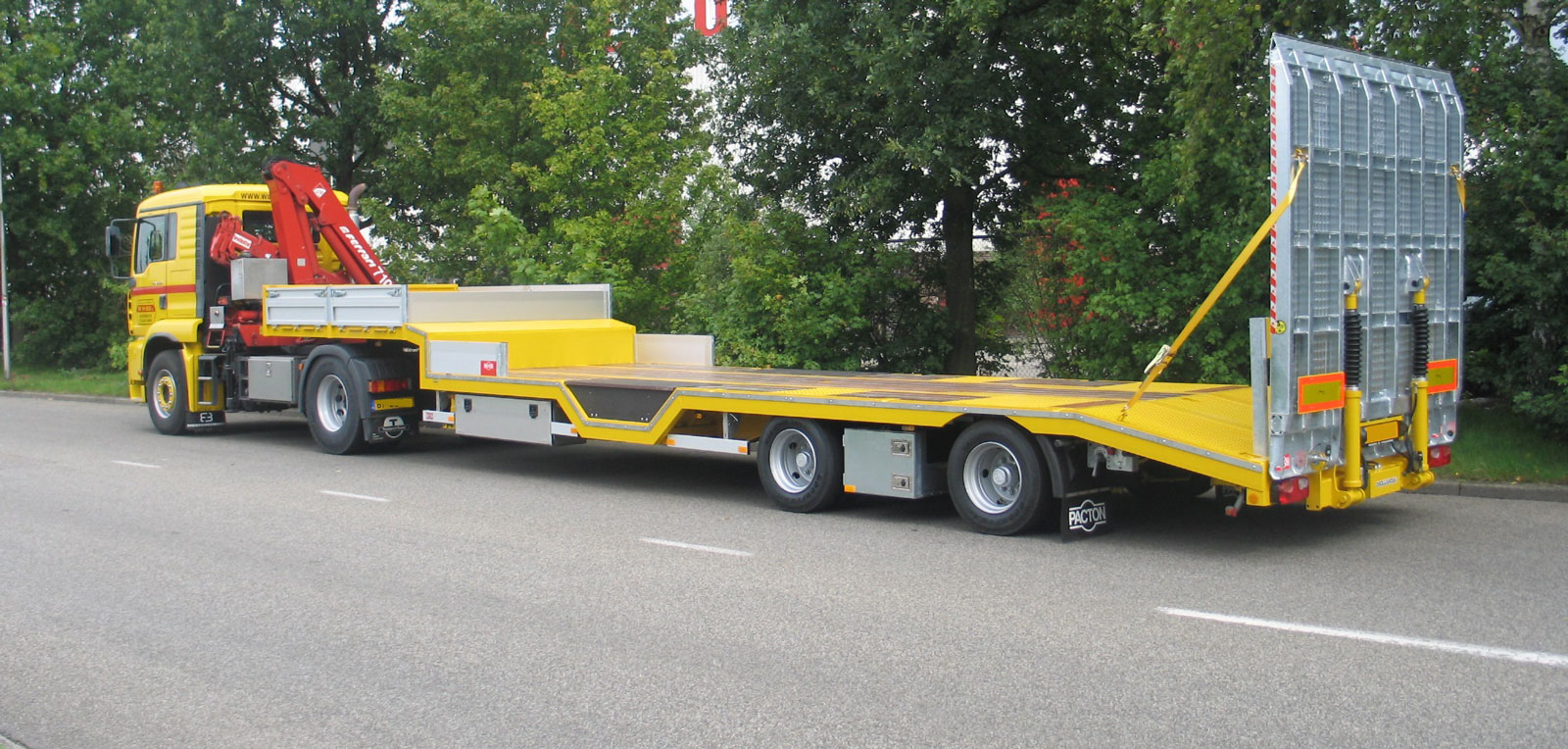 Contact Pacton Trailers B.V.