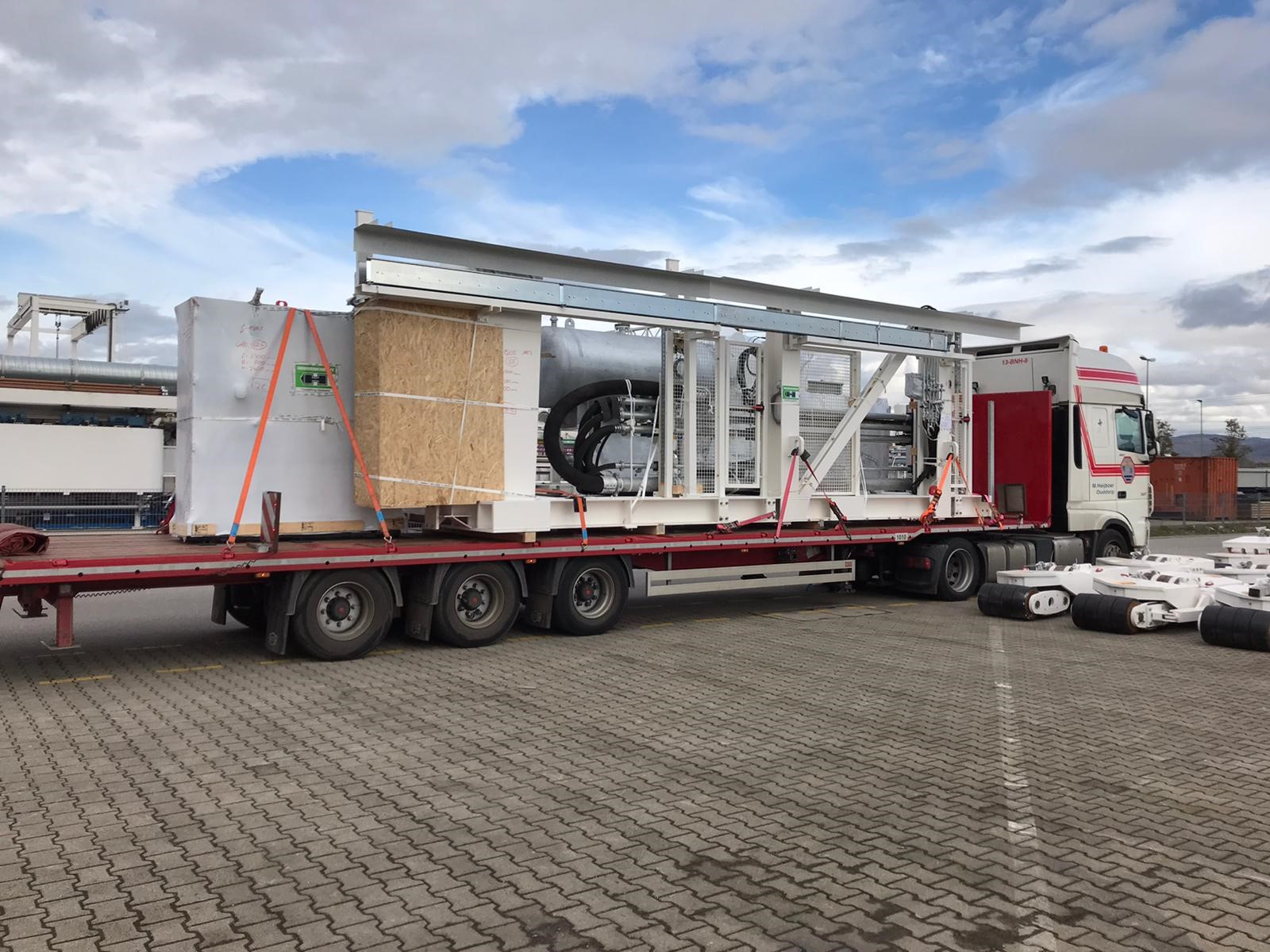 TEN LOWDECK MEGA SEMI-TRAILERS AS ALL-ROUNDERS FOR ELVEX
